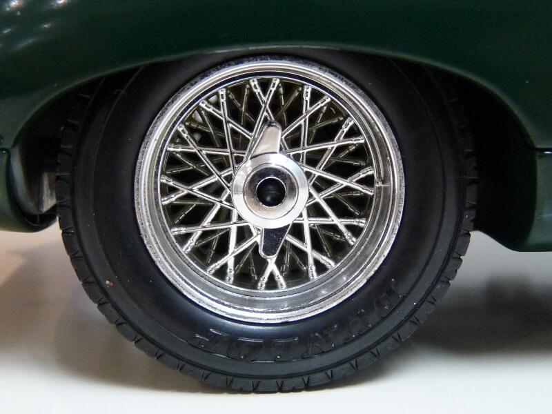 Jaguar Type E Cabriolet vert - 1961 - BBurago 1/18 ème Jte_ca45