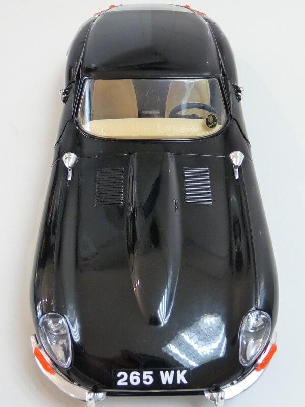 Jaguar Type E Coupé noir - 1961 - BBurago 1/18 Jte_cn18