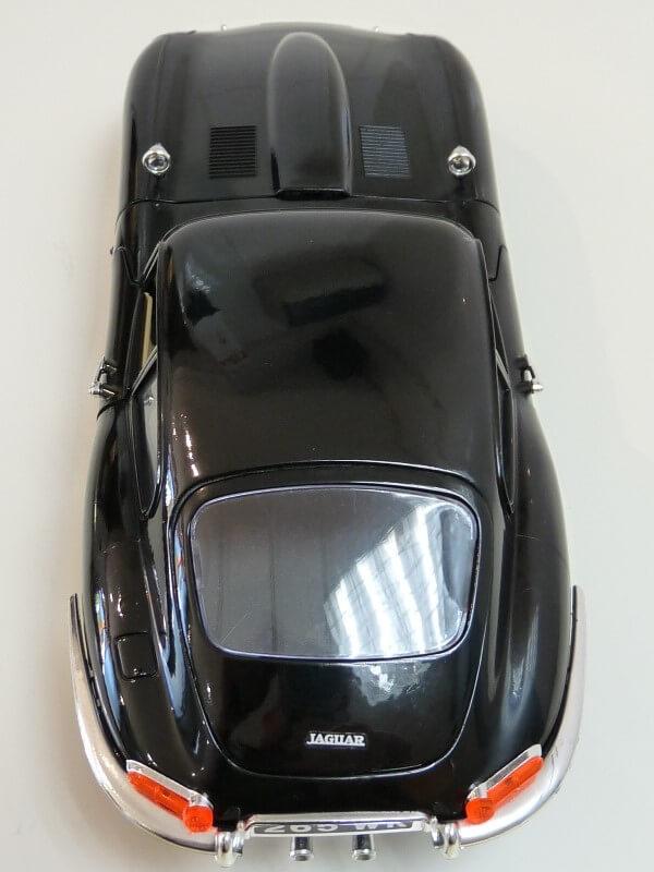 Jaguar Type E Coupé noir - 1961 - BBurago 1/18 Jte_cn19