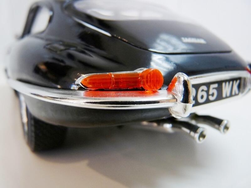 Jaguar Type E Coupé noir - 1961 - BBurago 1/18 Jte_cn30
