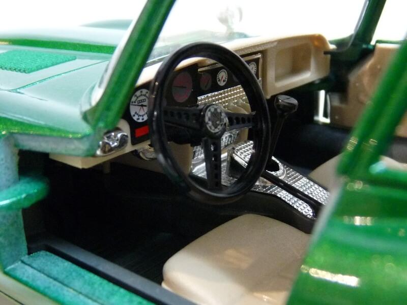 Jaguar Type E Coupé vert- 1961 - BBurago 1/18 Jte_cv23