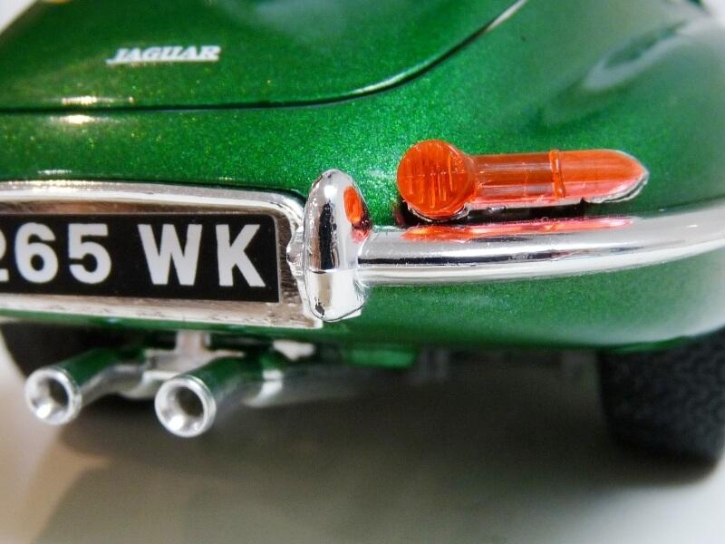 Jaguar Type E Coupé vert- 1961 - BBurago 1/18 Jte_cv28