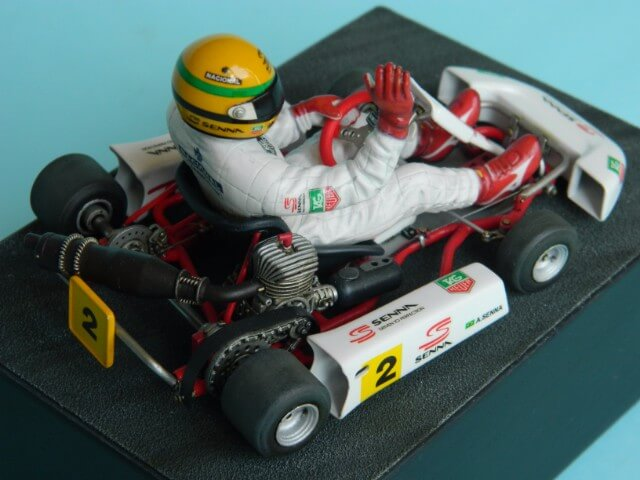 Kart  A. SENNA Bercy 93 - Fujimi 1/20ème - Par fombec6 - Fini . - Page 2 Ks04810