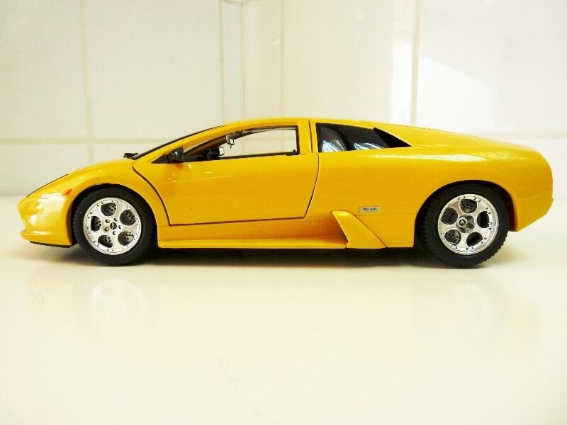 Lamborghini Murcièlago - 2004 - BBurago 1/18 ème Lambor12