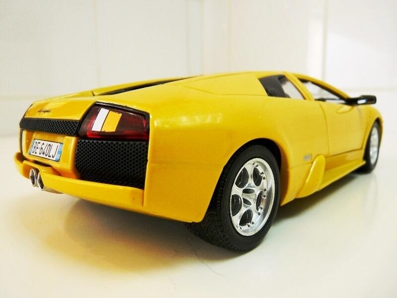 Lamborghini Murcièlago - 2004 - BBurago 1/18 ème Lambor16
