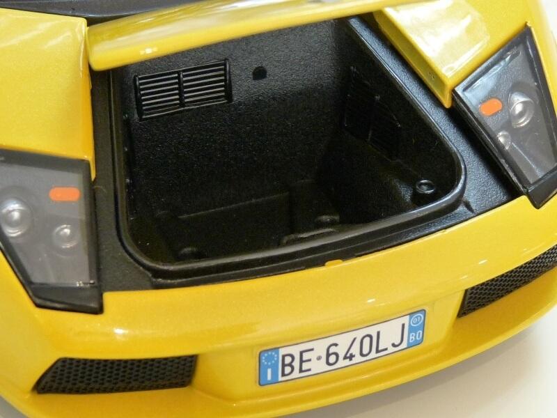 Lamborghini Murcièlago - 2004 - BBurago 1/18 ème Lambor26
