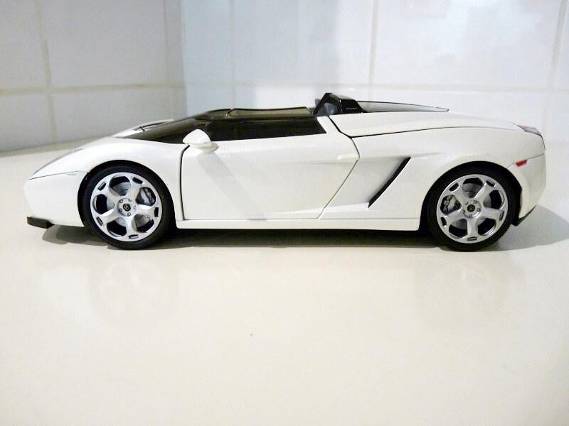 Lamborghini Concept S - 2005 - Mondo Motors 1/18 ème Lambor39