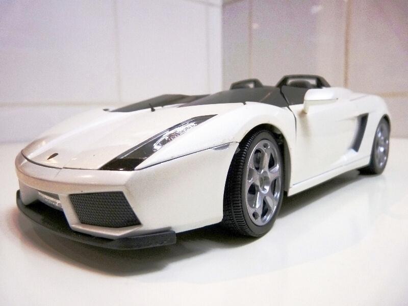 Lamborghini Concept S - 2005 - Mondo Motors 1/18 ème Lambor44