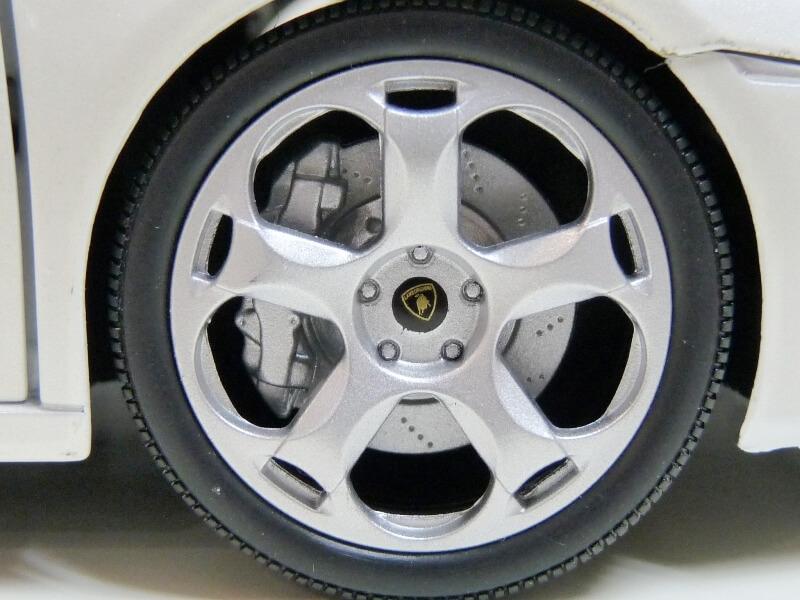 Lamborghini Concept S - 2005 - Mondo Motors 1/18 ème Lambor51