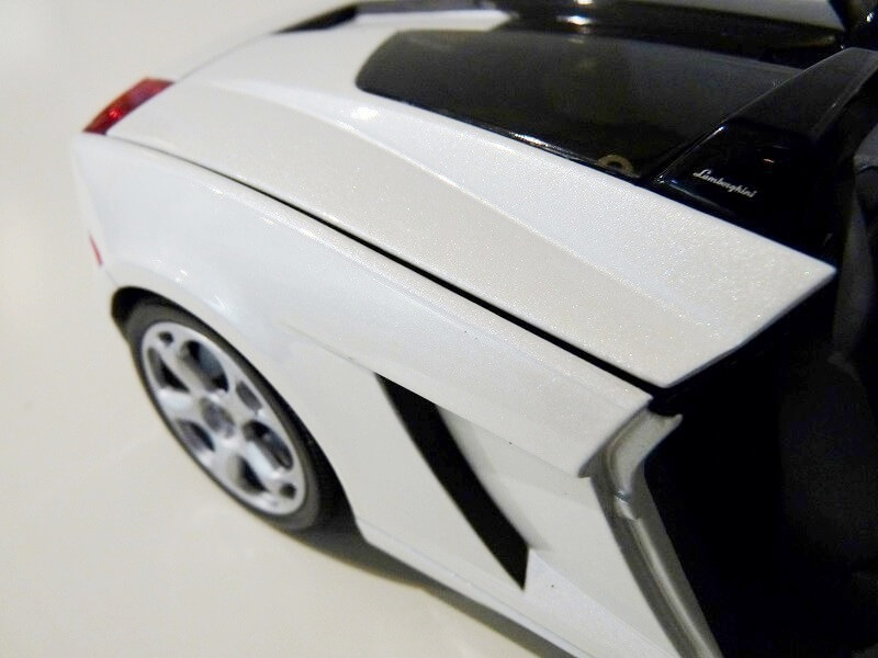 Lamborghini Concept S - 2005 - Mondo Motors 1/18 ème Lambor54