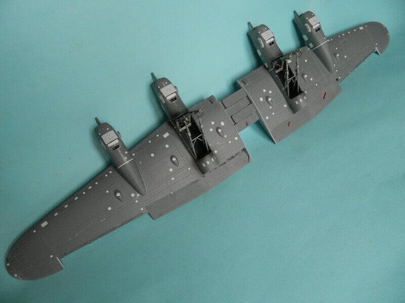 Avro Lancaster Mk.III - Tamiya 1/48 - Par fombec6 - Fini. - Page 3 Lanc_122