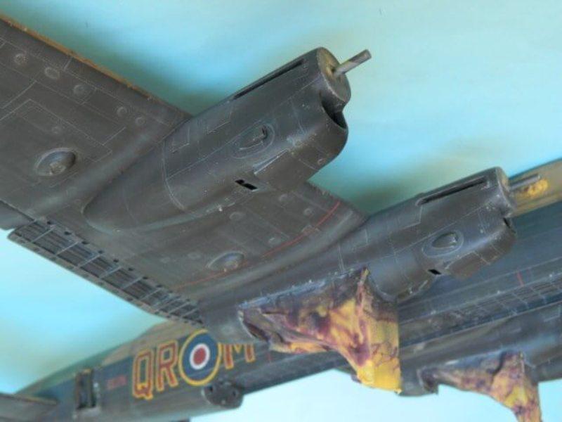 Avro Lancaster Mk.III - Tamiya 1/48 - Par fombec6 - Fini. - Page 6 Lanc_342
