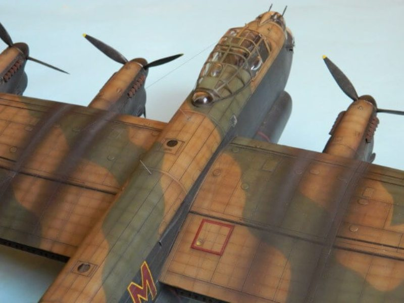 Avro Lancaster Mk.III - Tamiya 1/48 - Par fombec6 - Fini. - Page 7 Lanc_369