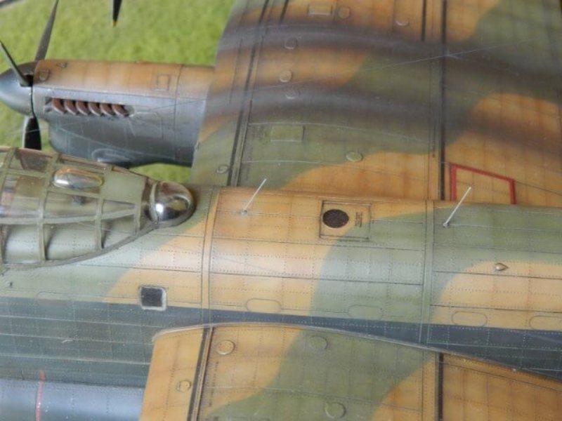 Avro Lancaster Mk.III - Tamiya 1/48 - Par fombec6 - Fini. - Page 7 Lanc_380