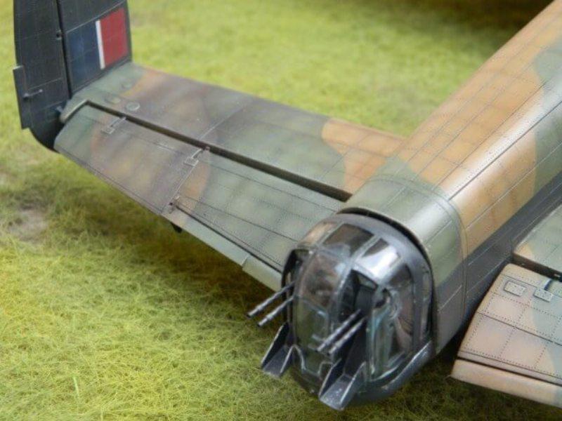 Avro Lancaster Mk.III - Tamiya 1/48 - Par fombec6 - Fini. - Page 7 Lanc_389