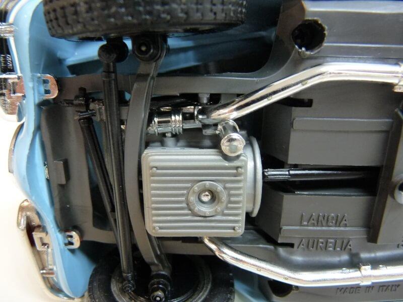 Lancia Aurélia B24 Spider bleu - 1955 - BBurago 1/18 ème Lancia13