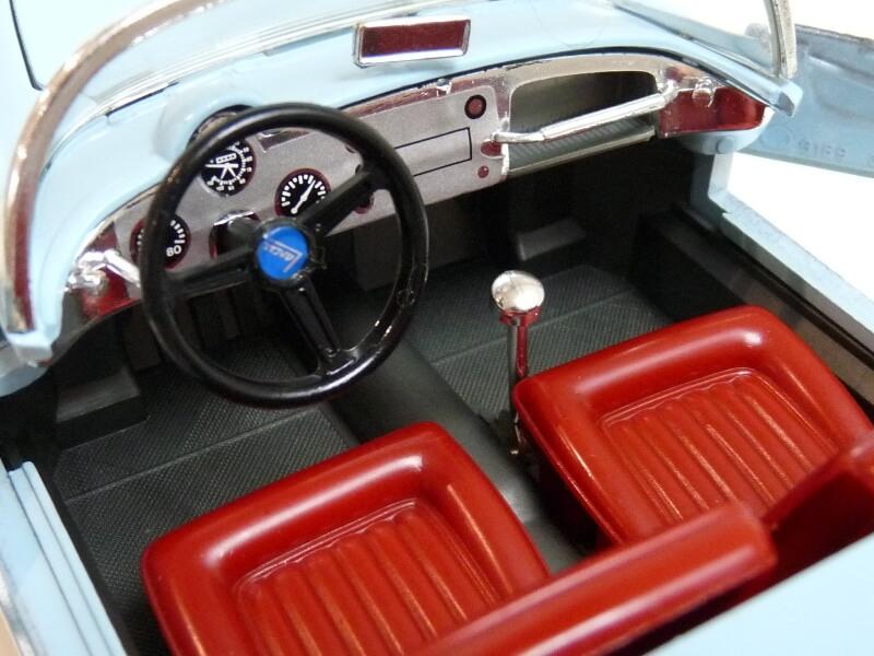 Lancia Aurélia B24 Spider bleu - 1955 - BBurago 1/18 ème Lancia21