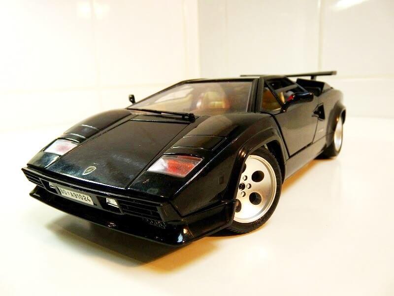 Lamborghini Countach 5000S - 1988 - Bburago 1/18 ème Lc500011