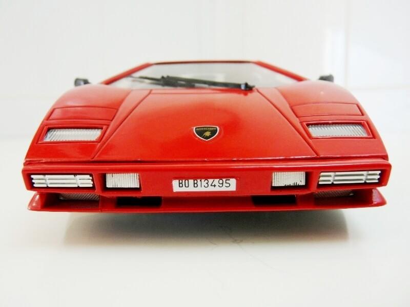 Lamborghini Countach LP 5000 QuattroValvole - 1983 - Tonka Polistil 1/18 ème Lclp_512