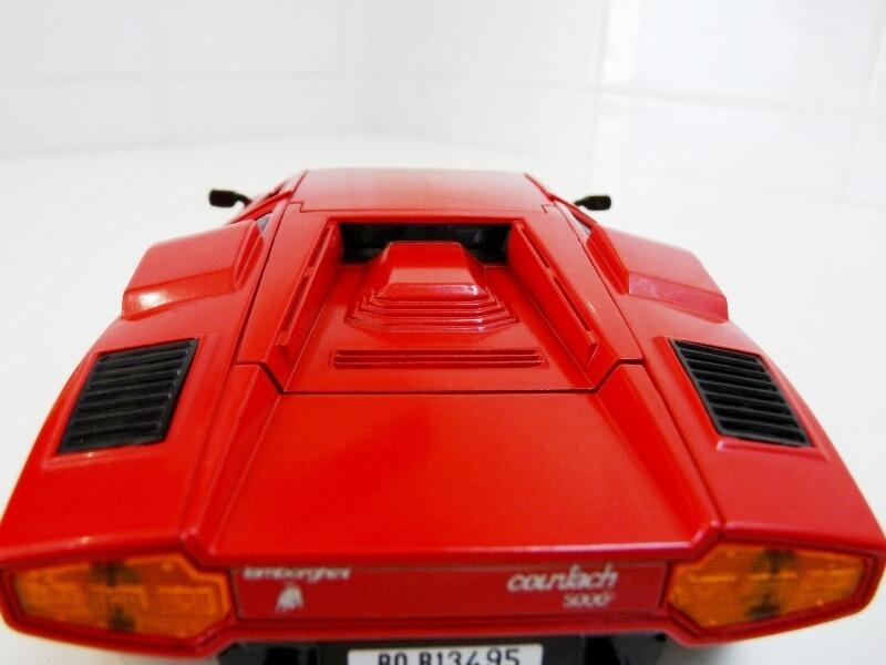Lamborghini Countach LP 5000 QuattroValvole - 1983 - Tonka Polistil 1/18 ème Lclp_516