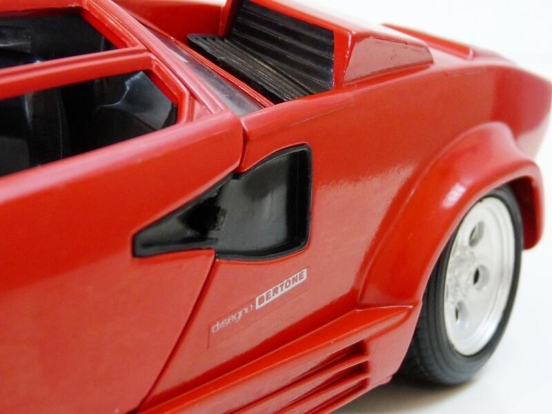 Lamborghini Countach LP 5000 QuattroValvole - 1983 - Tonka Polistil 1/18 ème Lclp_524
