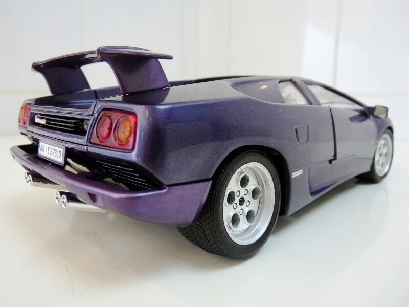 Lamborghini Diablo - 1990 - BBurago 1/18 ème Ldiabl17