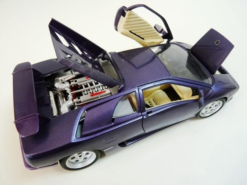 Lamborghini Diablo - 1990 - BBurago 1/18 ème Ldiabl24