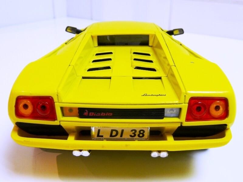 Lamborghini Diablo - 1990 - Première Edition - Maisto 1/18 ème Ldiabl39
