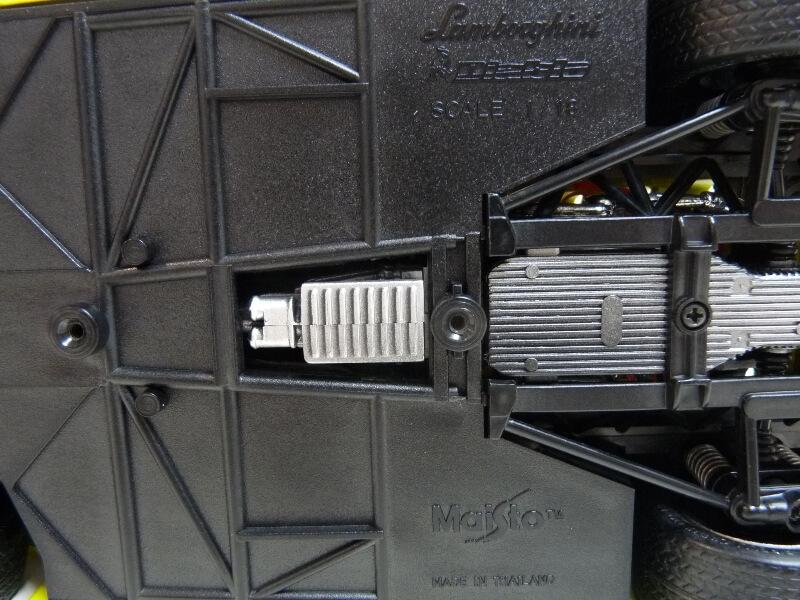 Lamborghini Diablo - 1990 - Première Edition - Maisto 1/18 ème Ldiabl40