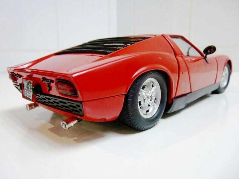 Lamborghini Miura 400S - 1970 - Polistil 1/18ème Lm400s21