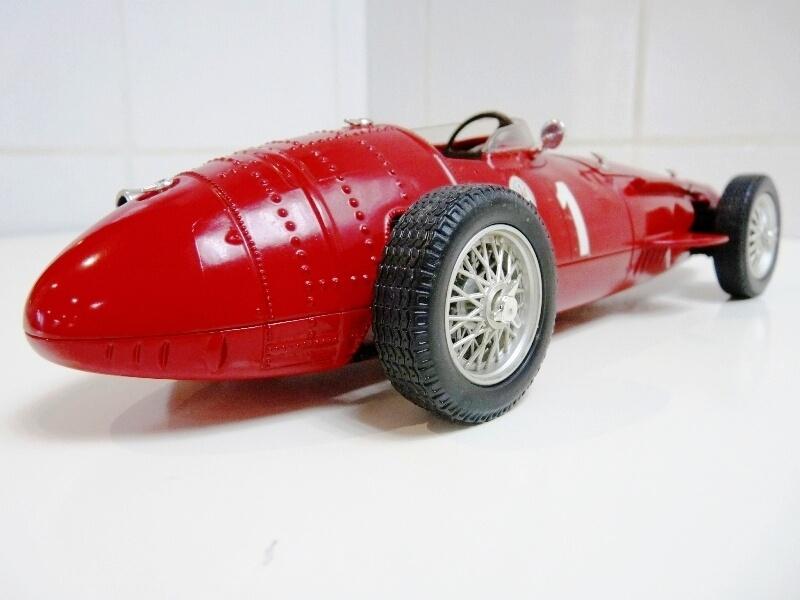 Maserati 250 F - 1955 - Tonka Polistil 1/19 ème Masera18