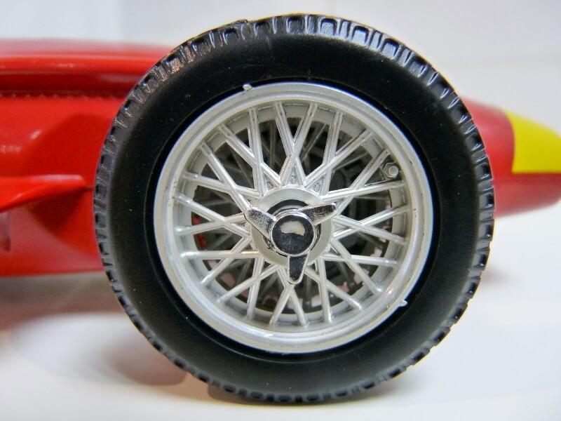 Maserati 250 F - 1955 - Tonka Polistil 1/19 ème Masera19