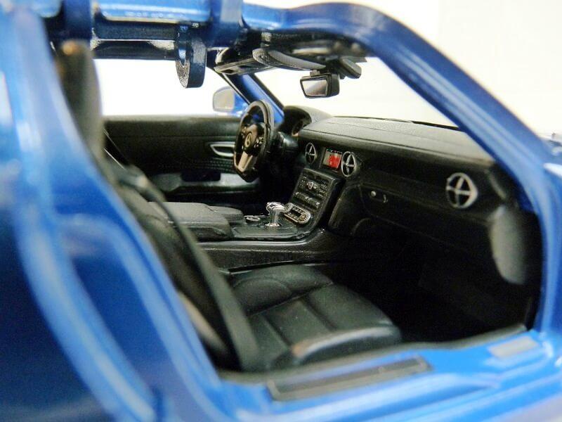 Mercedes SLS AMG GT 6.3 litres Final Edition - 2014 - Maisto 1/18 ème Merce105