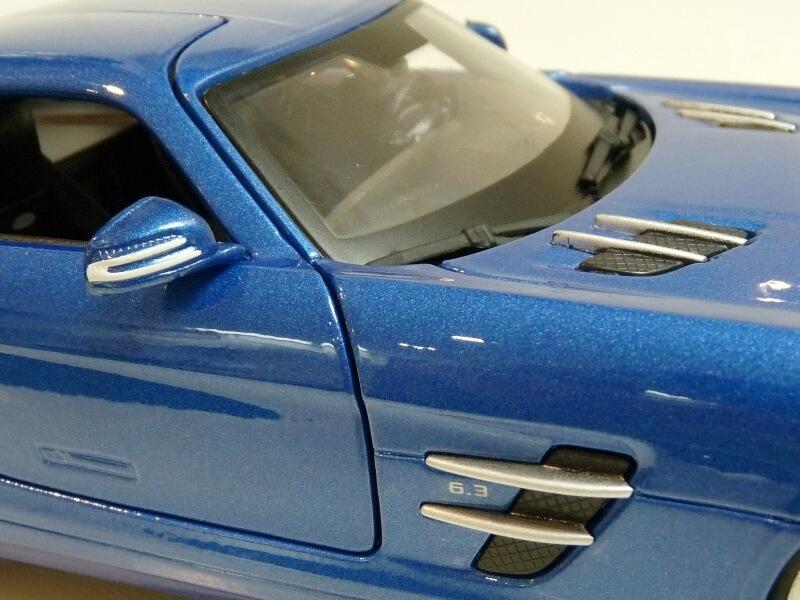 Mercedes SLS AMG GT 6.3 litres Final Edition - 2014 - Maisto 1/18 ème Merce109