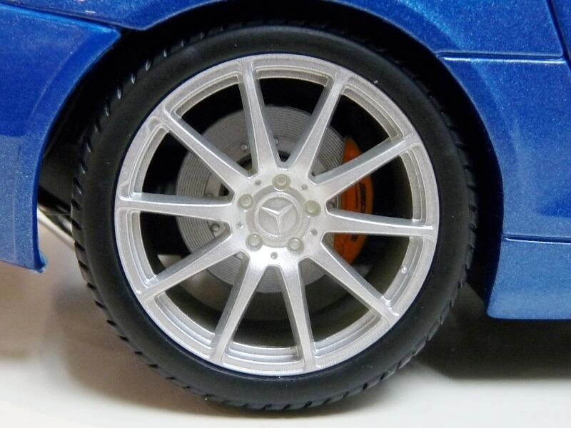 Mercedes SLS AMG GT 6.3 litres Final Edition - 2014 - Maisto 1/18 ème Merce112