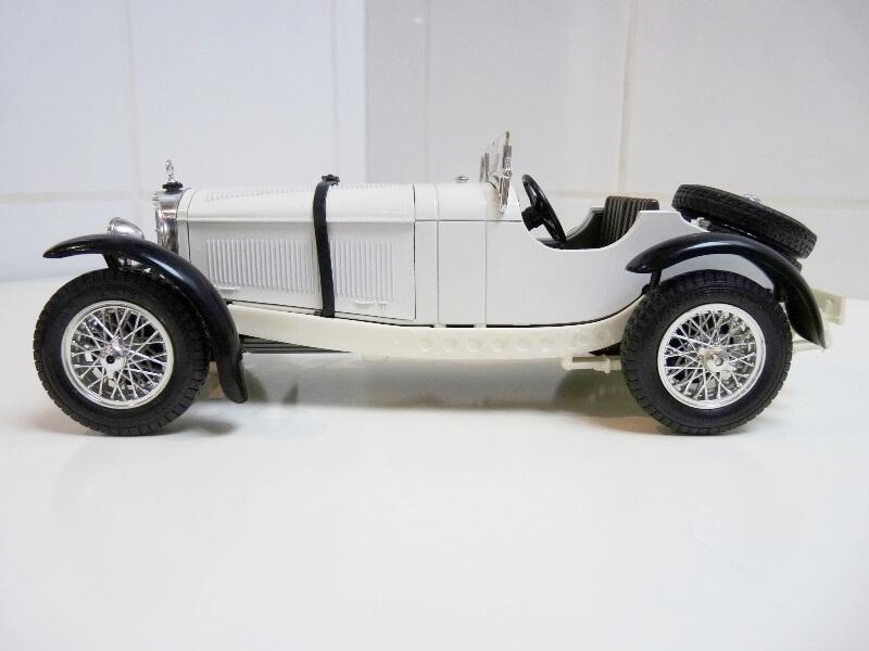 Mercedes Benz SSK - 1928 - BBurago 1/18ème Merced13
