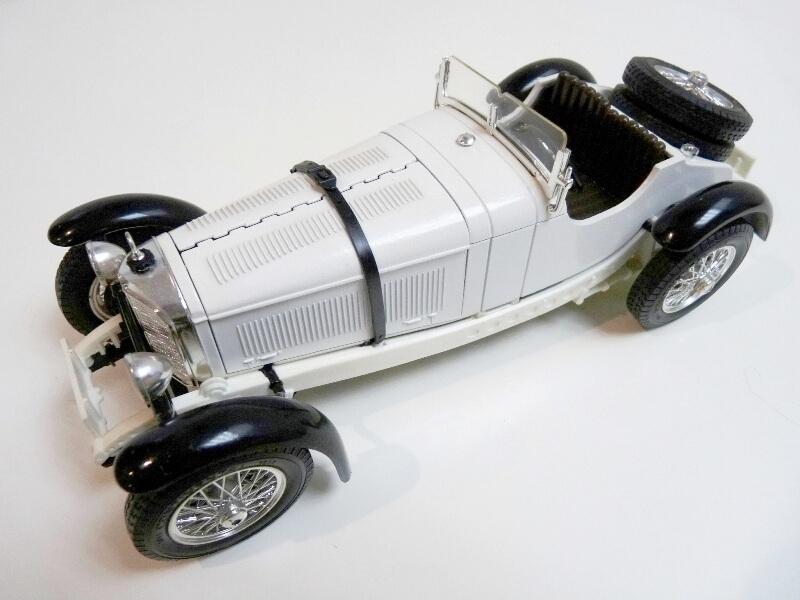 Mercedes Benz SSK - 1928 - BBurago 1/18ème Merced14