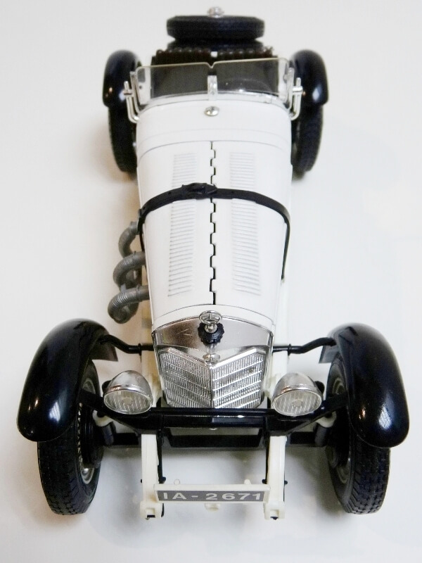 Mercedes Benz SSK - 1928 - BBurago 1/18ème Merced15
