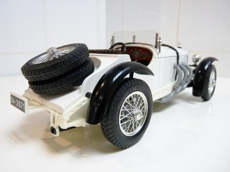 Mercedes Benz SSK - 1928 - BBurago 1/18ème Merced17