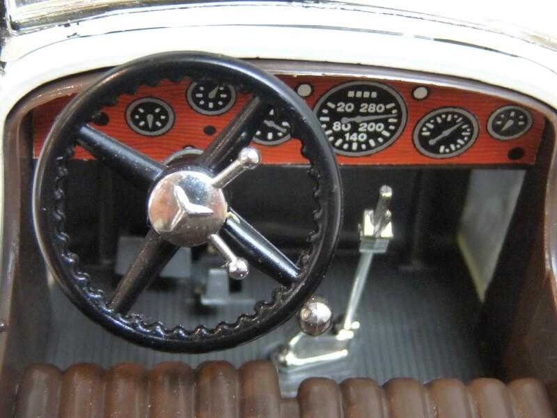 Mercedes Benz SSK - 1928 - BBurago 1/18ème Merced23