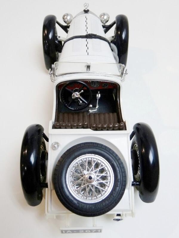 Mercedes Benz SSK - 1928 - BBurago 1/18ème Merced25
