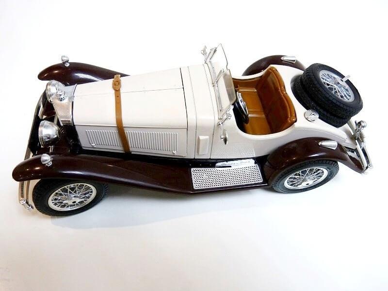 Mercedes Benz SSKL - 1928 - BBurago 1/18 ème Merced27