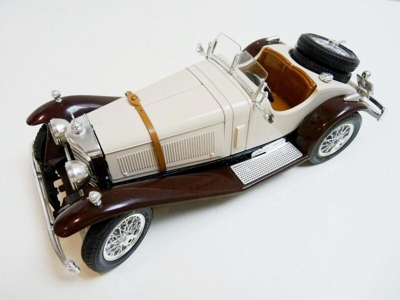 Mercedes Benz SSKL - 1928 - BBurago 1/18 ème Merced35