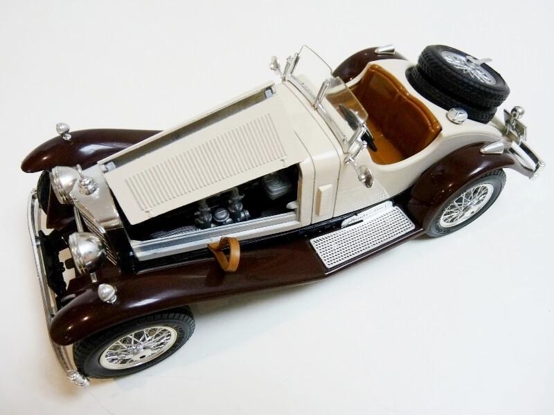 Mercedes Benz SSKL - 1928 - BBurago 1/18 ème Merced39
