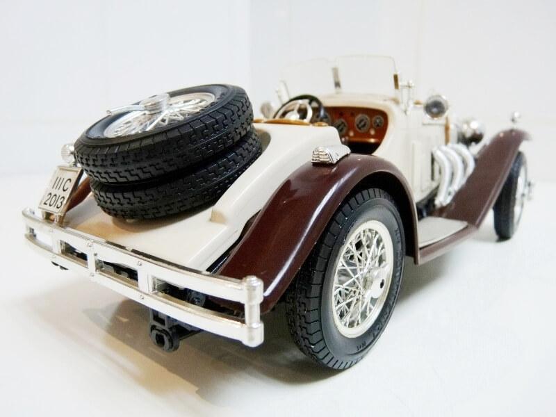 Mercedes Benz SSKL - 1928 - BBurago 1/18 ème Merced40