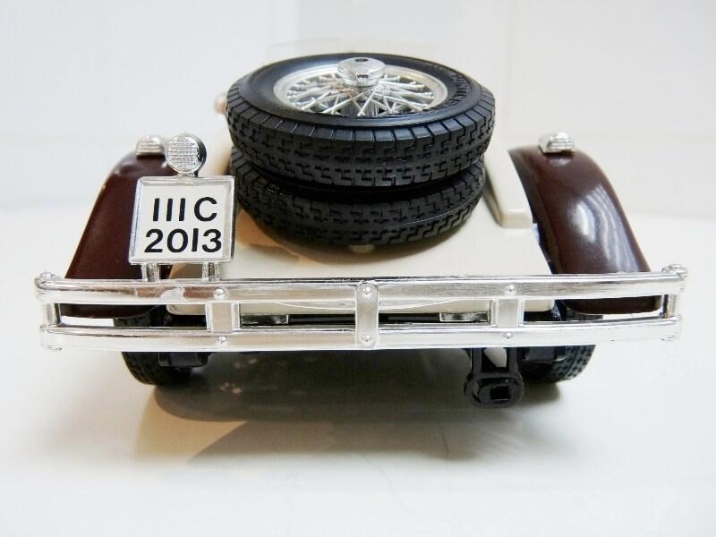 Mercedes Benz SSKL - 1928 - BBurago 1/18 ème Merced41