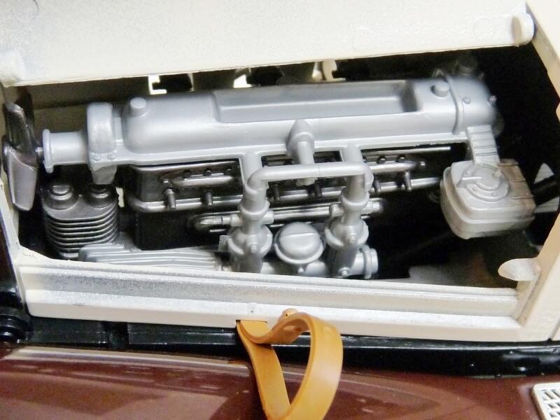 Mercedes Benz SSKL - 1928 - BBurago 1/18 ème Merced45