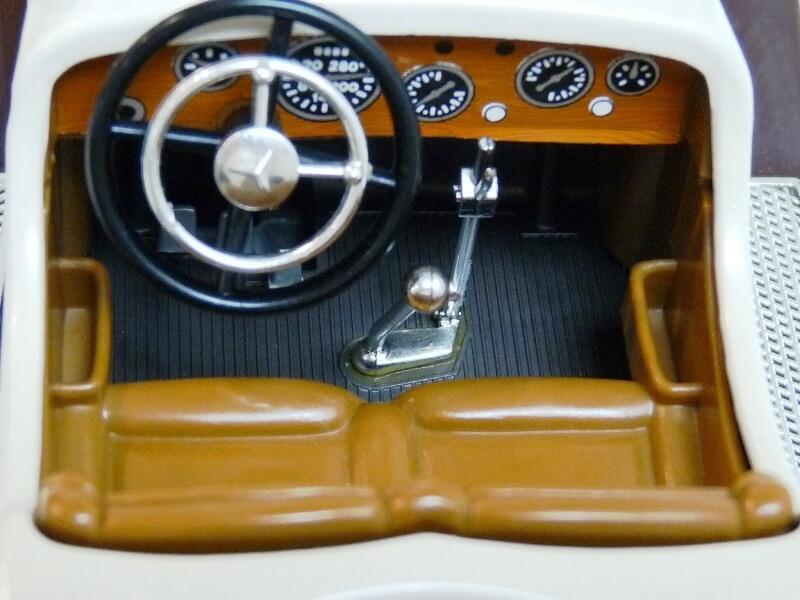 Mercedes Benz SSKL - 1928 - BBurago 1/18 ème Merced48