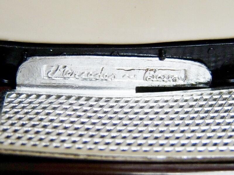 Mercedes Benz SSKL - 1928 - BBurago 1/18 ème Merced49