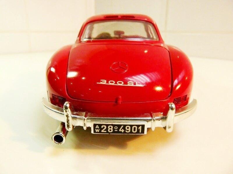 Mercedes 300SL - 1954 - BBurago 1/18 ème Merced57